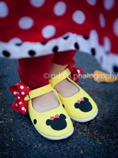 Yellow Minnie Mouse Painted Shoes...what a great idea! I can do this!!