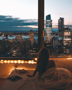 Dream life, waking up with a view on the whole city Living Haus, City Living, Living Rooms, Destination Voyage, Concrete Jungle, Jolie Photo, Adventure Is Out There, Travel Goals, Oh The Places You'll Go