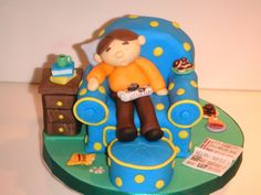 "Sleeping Dad - Fondant covered pound cake chair, table and ottoman. Chair and ottoman design inspired from figure in Debbie Brown's ""Character Cakes. Birthday Cakes For Men, 50th Birthday Party, Man Birthday, Fondant Figures, Fondant Cakes, Gem Cake, Debbie Brown, Sleeping Man, Cake Design Inspiration"