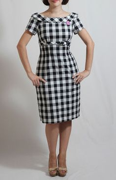 JuliaBobbin: Mad about PeggyOne of my favorite Mad Men looks ever (Peggy Olson, Somebody make this for me, please! Simple Dresses, Casual Dresses, Fashion Dresses, Sewing Dresses For Women, Clothes For Women, Kurta Designs, Blouse Designs, Gingham Dress, Dress Sewing Patterns