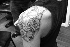 Shoulder tattoo feminine