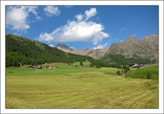 Val Senales is a valley in North East Italy 10 km from Merano west of Bolzano. in the valley you can practice ski all over the year and in summer make wonderful walks. North of the valley there is Ventertal a side valley of austrian Otztal