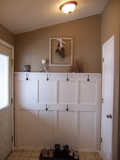 make your own board and batten entryway...ohhh...for our laundry room and mud room entrance!!