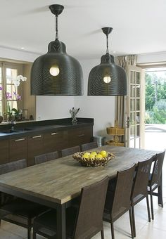 Villa Cecile is a stone villa renovated in a contemporary and charming style in Provence, France. Dining Table Design, Modern Dining Table, Dining Rooms, Dining Tables, Dinner Table, Home Fashion, Kitchen Interior, Decoration, Home Kitchens