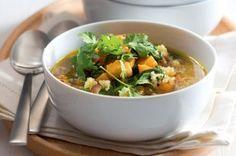 5x zdravá quinoa   Apetitonline.cz Thai Red Curry, Quinoa, Soup, Menu, Chicken, Ethnic Recipes, Fitness, Bulgur, Menu Board Design