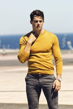Pietro Boselli (The hot teacher) Mode Masculine, Style Outfits, Casual Outfits, Stylish Men, Men Casual, Look Fashion, Mens Fashion, Look Man, Mode Chic