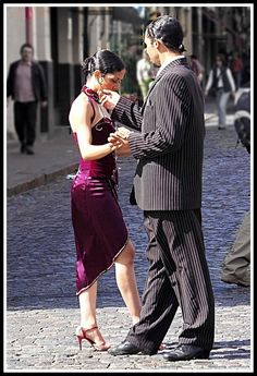 I love this!!!! Tango Dancers in Buenos Aires, Argentina