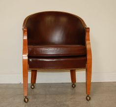 SLIGH FURNITURE CLASSIC LEATHER CLUB CHAIR ON CASTERS ~ HOME OFFICE OR GAME ROOM