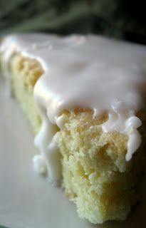 Lemon Scones ~ Sugar Pies . . . http://www.sugarpiesfood.com/2011/07/lemon-scones.html