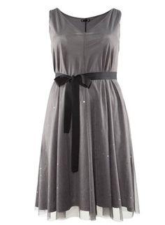 Vestido gris de H&M por 39,95 euros (H&M)