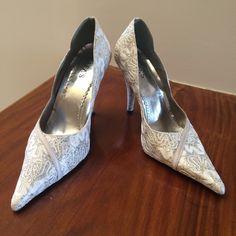 Dressbe | Scarpin trabalhado em renda #shoes #sapatos #scarpin #renda #moda