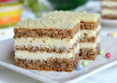 kolac sa orasima i belom cokoladom Bosnian Recipes, Croatian Recipes, Baking Recipes, Cake Recipes, Dessert Recipes, Romanian Desserts, Kolaci I Torte, Torte Cake, Food Cakes