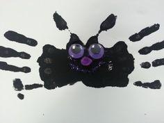 How to Make a Bat Handprint Craft, Halloween Handprint Craft for Kids, Cute Bat Halloween Handprint Craft - Kids Play and Create Halloween Crafts For Kids, Halloween Projects, Cute Halloween, Halloween Activities, Halloween Decorations, Cute Crafts, Fall Crafts, Kid Crafts, Halloween Nursery Rhymes