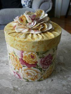 Caixa de bijuterias grande.♥ ~ ✿⊱╮♥ ~ :-)  ♥ ~ ✿⊱╮♥ ~ :-)