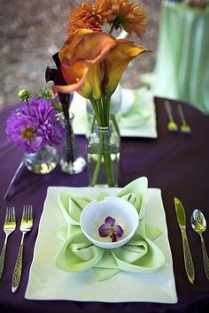 Love the napkin fold.. {photo only}