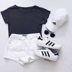 รวมไอเดีย เสื้อผ้าเข้าเซ็ทโทนสีขาว-ดำ สำหรับใส่ในวันชิลล์ๆ สบายๆ รูปที่ 7