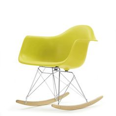 RAR chair in green Sunroom Furniture, Furniture Design, Furniture Ideas, Wythe Blue, Benjamin Moore Colors, Eames Chairs, Fashion Room, Rocking Chair, Midcentury Modern