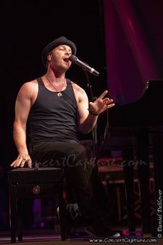 Gavin DeGraw concert photo