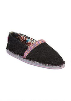 Made from vegan and eco-friendly materials, the Tigerbear Republik Hicky gets a lace-over. Features floral trim and moccasin stitched midsole. Lace Slip, Slip On, Cute Casual Shoes, Get Dressed, Moccasins, Eco Friendly, Vegan, Sneakers, Floral