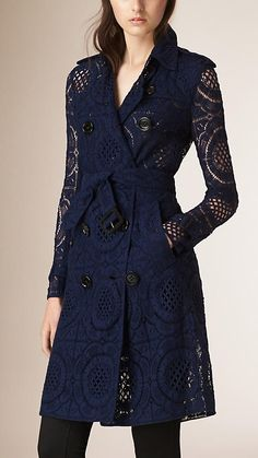 Navy English Lace Trench Coat Image 1 - Women Trench Coats - Ideas of Women Trench Coats Top Mode, Coats For Women, Clothes For Women, Look Blazer, Tailored Coat, Burberry Trench Coat, Luxury Fashion, Womens Fashion, Capes