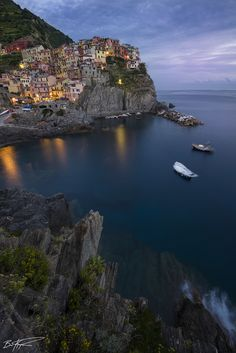Amazing Places Manarola - Italy (von Brian Koprowski)