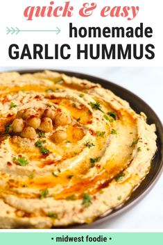 Healthy Snacks Simple Homemade Vegan Garlic Hummus -- This simple, homemade, vegan hummus is loaded with fiber and protein. It's healthy AND delicious, which means you can feel good about feeding it to your family. Gourmet Recipes, Appetizer Recipes, Cooking Recipes, Dip Recipes, Shrimp Recipes, Recipes Dinner, Beef Recipes, Easy Recipes, Appetizers