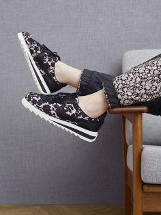 "Sneakers – Women's Fashion :    Nike Sportswear x Liberty London ""Cameo"" Collection – EU Kicks: Sneaker Magazine  - #Sneakers https://youfashion.net/fashion/sneakers/sneakers-womens-fashion-nike-sportswear-x-liberty-london-cameo-collection-eu-kicks-sneake/"