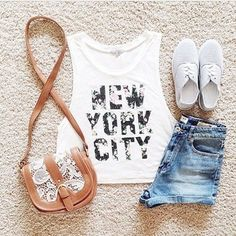Zeliha's Blog: New York City. It's cute but i'd like it better if the shirt said something differnt