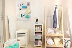 Organize com o pegboard - Changing Table, Decor, Cool Stuff, Furniture, Cool Things To Buy, Table, Home, Organization, Home Decor