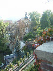 """#KultTrip Nr. 43: """"Mein """"Best of Prag"""": mein KultTrip"""" via @KatrinKrumpholz - Prag frohlockt, am besten erfährt man die Stadt, wenn man dort länger lebt. Schöne Tipps, auch für Kids! 6.8.16 Plants, Prague, Explore, Culture, City, Summer, Tips, Nice Asses, Plant"""