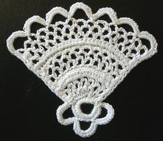 irish crochet beautiful old ancient pattern. Link to :  Harvey, Lula M. Priscilla Irish Crochet Book No 1,