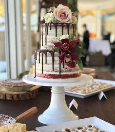 Why does Snoop Dogg carry an umbrella? 😂🤣😂🤗 * Don't worry our cakes are better than our jokes! Beautiful Wedding Cakes, Beautiful Cakes, Snoop Dogg, Let Them Eat Cake, Jokes, Mountain, Good Things, Desserts, Instagram