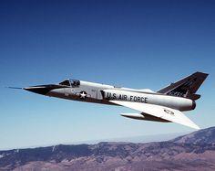 Aviones Caza y de Ataque:     Convair F-106 Delta Dart   Tipo Interceptor Fabricante  Estados Unidos- Convair Primer vuelo 26 de diciembre de 1956 Introducido Junio de 1959 Generación  2º Retirado Agosto de 1988 (ANG) Usuarios principales  Fuerza Aérea de los Estados Unidos Estados Unidos Guardia Nacional Aérea  Estados Unidos NASA N.º construidos 340