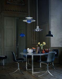 beautiful Poul Kjaerholm setting via Fritz Hansen. loving the arrangements of lights!