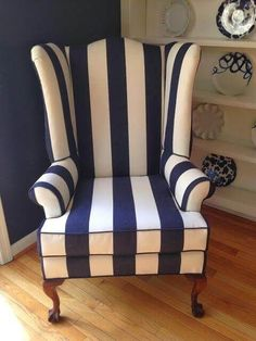 Streifen Ohrensessel Love this! - Home decor - Chair makeover Sofa Upholstery, Upholstered Furniture, Sofa Chair, Wingback Chairs, Wing Chairs, Furniture Refinishing, Refurbished Furniture, Furniture Redo, Repurposed Furniture