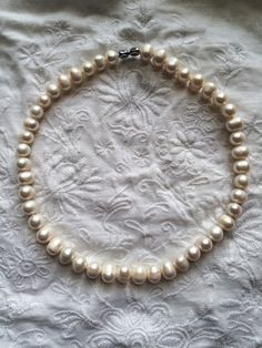 Beautiful akoya pearls necklace for special occasions. Excellent for any kind of party, wedding day, for beautiful bride. Necklace suits for