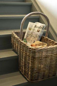 Una canasta para peldaño de escalera - #cesta de #mimbre