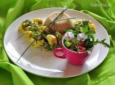 Leto nám prináša pestré farby, ktoré môžeme mať aj na tanieri. A tiež jedlé kvety, ktoré skrášlia a obohatia šalát :-)