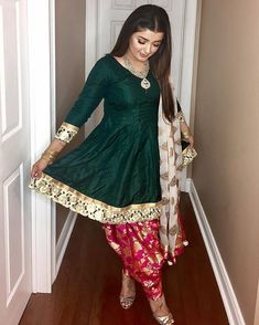 FatimaBi Plus size Patiala Salwar Indian Engagement Partywear Green Shalwar Suit Pakistani Dress Design, Pakistani Outfits, Indian Outfits, Kurti Designs Party Wear, Kurta Designs, Dress Indian Style, Indian Dresses, Punjabi Fashion, Indian Fashion