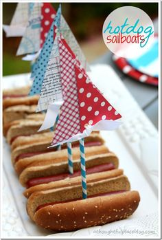how to make a hotdog sailboat mark maria babyshower Nautical Cake, Nautical Party, Childrens Meals, Childrens Party, Party Treats, Party Cakes, Dog Themed Parties, A Thoughtful Place, Kids Party Themes