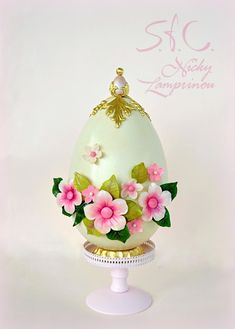 White Chocolate Easter Egg Cake - Cake by Sugar flowers Creations Easter Bunny Cake, Easter Cupcakes, Easter Cookies, Easter Treats, Easter Chocolate, White Chocolate, Cake Chocolate, Chocolates, Ballerina Cakes