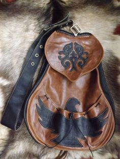 Individual ,hand-made falconry bag ! By created : Béres Zsolt Attila . Orders: vadasz7904@gmail.com
