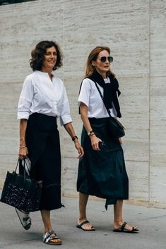 New York Fashion Week Delivered All the Street Style You've Been Waiting For Looks Street Style, Looks Style, Style Me, Fashion Week, Work Fashion, New York Fashion, Classic Fashion Style, Classy Fashion, Fashion Vintage