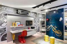 O sonho do meu noivo: a Bike na parede.