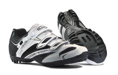 Northwave Fondo SRS White-Black 2015 Clothing Store Design, Textured Haircut, Layout, Cycling Shoes, Tumblr Photography, Garage Plans, Winter Is Coming, Colorful Interiors, Vintage Shops