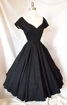 Exquisite Vtg 1950s Cocktail Party Portrait Dress ~ Black ~ Wedding Evening Gown