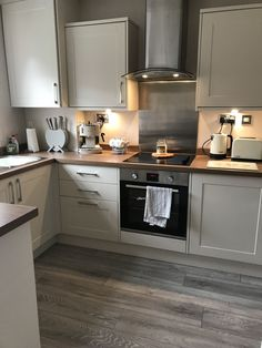 Your kitchen is the whipping centre of your home, so selecting the best kitchen flooring is important. Here are our tips on finding the kitchen floor of your desires motivating kitchen flooring ideas. Find out which is the most effective flooring for your kitchen with this guide. #kitchenflooring