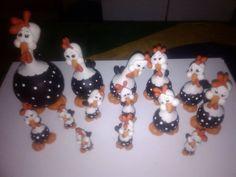 "Lindas galinhas d""angola feita de isopor"