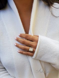 Gold Band Engagement Rings, Radiant Cut Engagement Rings, Cushion Cut Engagement Ring, Beautiful Engagement Rings, Cushion Cut Diamond Ring, Diamond Cuts, Ring Verlobung, Divorce, Wedding Ring