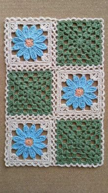 Pin to make motif quilt - Crochet Clothing 2019 - 2020 Crochet Quilt, Crochet Blocks, Crochet Home, Crochet Motif, Crochet Designs, Crochet Crafts, Crochet Flowers, Crochet Stitches, Crochet Projects